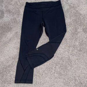Lululemon 6 black leggings women's running cropped